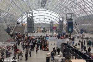 Blick in die repräsentative Glashalle der Leipziger Messe
